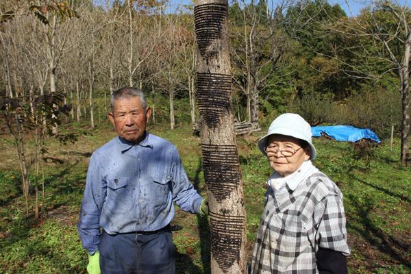 会長の飛田祐造さんと副会長の益子玉江さん