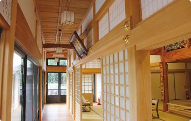 淨福寺内部。障子を外せば縁まで広く使うことができる。